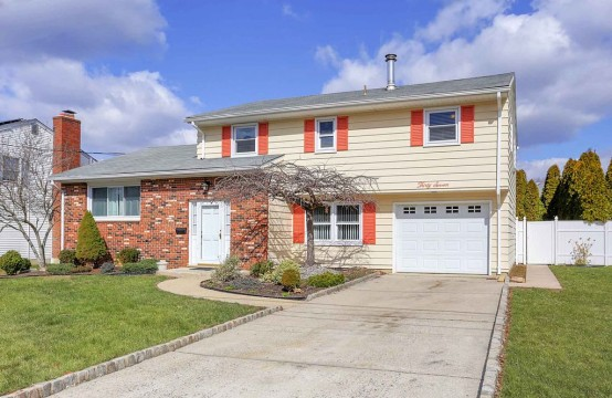 4 bed 3 bath | Sayreville